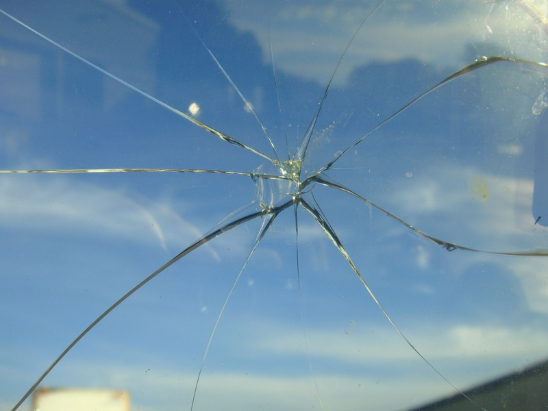 Rock Chip Repair >> What to Do When You Need a Cracked Windshield Repair El Cajon